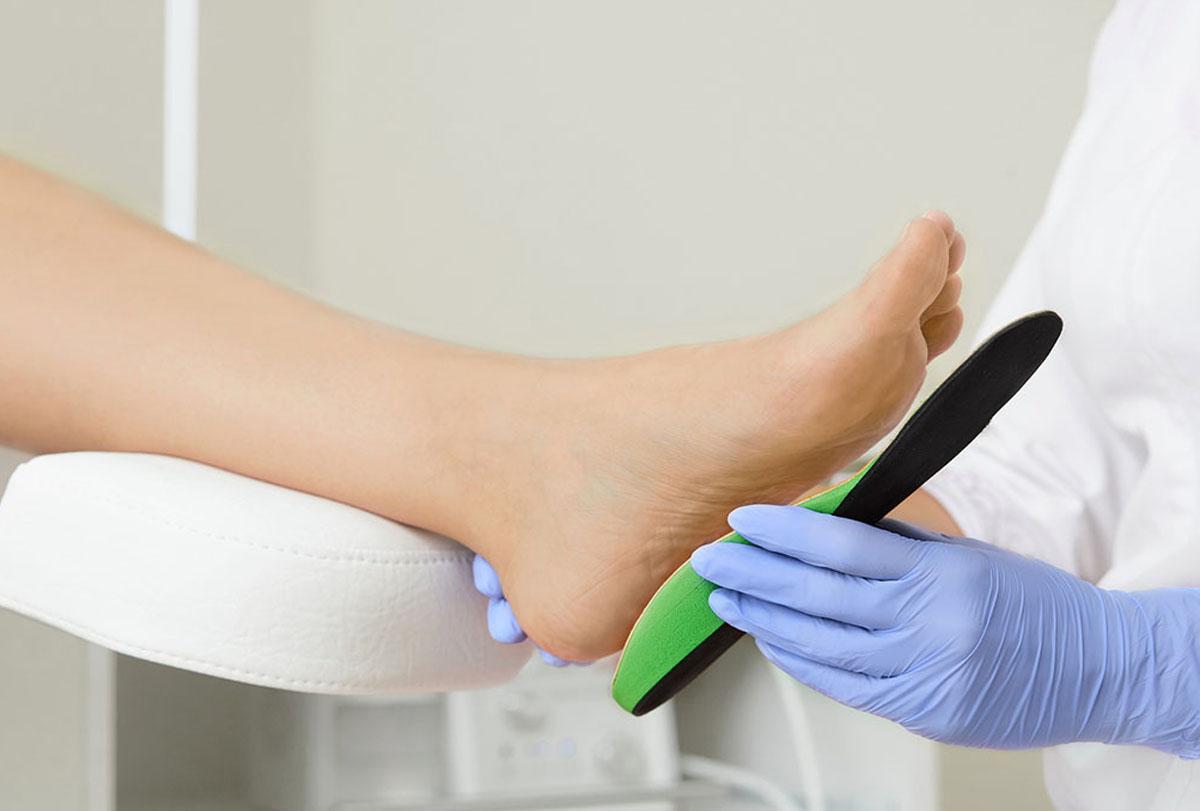 servizi realizzazione dispositivi ortopedici e plantari su misura lecce